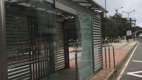 Infraestructura de Metrolínea nuevamente es atacada por la violencia