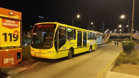 Metrolínea investiga falla en bus padrón que generó emergencia
