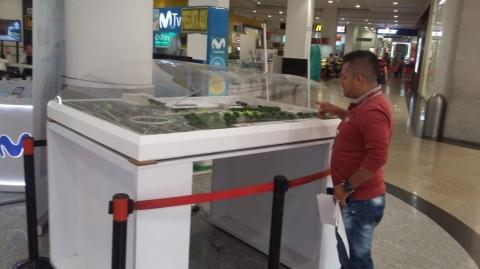 Maqueta del Portal Piedecuesta se exhibe en el Centro Comercial Delacuesta