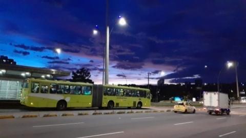 El SITM Metrolínea cerrará su operación a las 8:00 p.m. por toque de queda