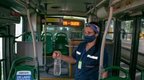 Con la campaña 'Viajemos seguros, Metrolínea nos cuida', se busca prevenir el virus