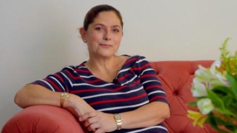 Ella es Nelly Prada Meza, una mujer berraca y enamorada de Metrolínea